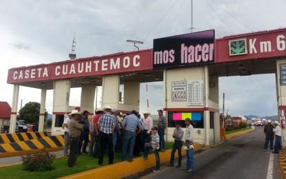 Libres 13 tramos carreteros, sólo bloqueo en Cuauhtémoc