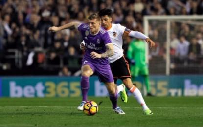 VÍDEO: Al medio tiempo, Valencia da la campanada y derrota 2-1 al Real Madrid