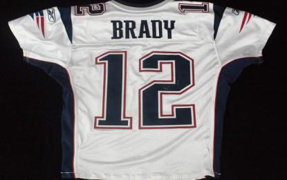 Hasta 99 años de cárcel para el ladrón del jersey de Brady