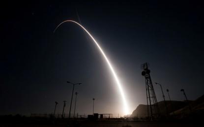 """EE.UU. lanzó misil intercontinental """"Minuteman III"""""""