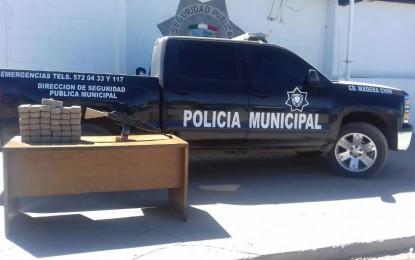 """Aseguran patrullan falsa en Madera; traía droga y un """"cuerno de chivo"""""""