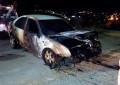 Choca vehículo y se incendia en el fraccionamiento el Quijote en la madruga