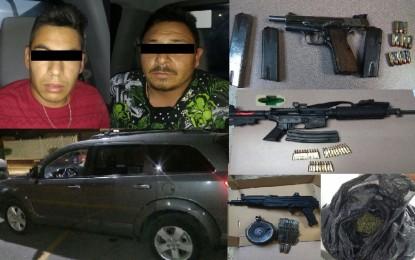 En Cuauhtémoc detienen a dos sujetos armados a bordo de un vehículo sin placas