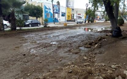 VÍDEO: Comerciante se queja por inundaciones en Av. Independencia
