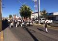 Realizaron desfile de la Revolución Mexicana  alumnos de la primaria Héroes de la Constitución