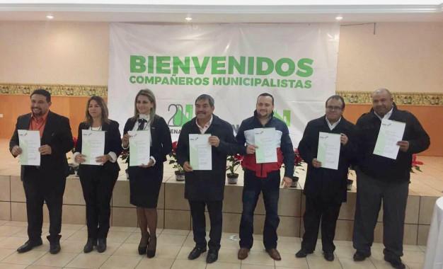 Recibe Arturo Medina reconocimiento de FENAMM por su destacada labor como Presidente