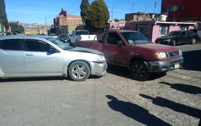 Choque entre vehículos en la Juárez