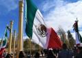 Se rinden honores a la Bandera de México en su CXCVII aniversario.