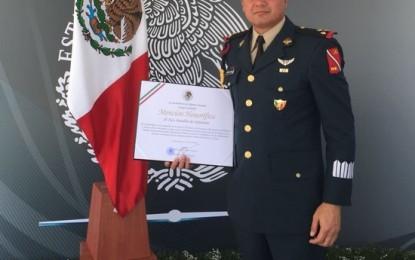 Mención honorifica al 76 batallón de infantería en la cd. De México