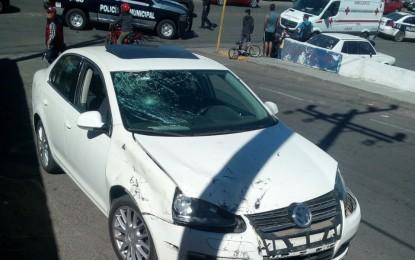 Accidente vs motociclista en el boulevard deja un lesionado