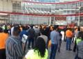 VÍDEO: Bloquean profesores acceso a edificio de gobierno