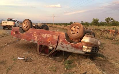 VÍDEO: Localizan camioneta volcada y abandonada en el entronque del Valle de Allende
