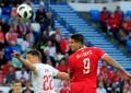 Serbia madruga a Suiza; gana con cabezazo 1-0 al minuto 5'