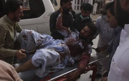 Ataque con bomba en Pakistán deja 85 muertos