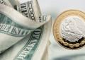 La Fed pone alto al elevador del peso; dólar sube a este precio