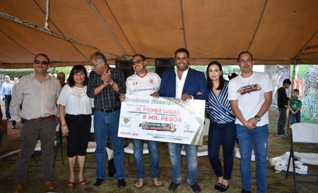 Premia Alfredo Lozoya a lo mejor del Festival de Arte Urbano