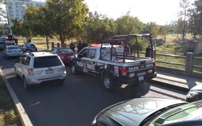 Le roban $262 mil, un iPhone y hasta el carro en Chihuahua; recuperan vehículo