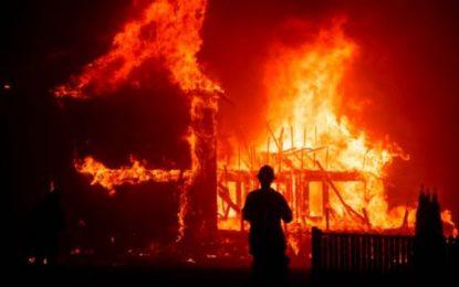 Aumenta a 63 el número de víctimas por incendio forestales en California