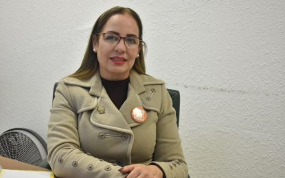"Invitan a Mujeres a obtener tarjeta ""Mi beneficio Parralense"""