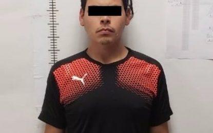Procesan penalmente a sujeto que traía vehículo con reporte de robo en Jiménez