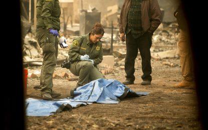 Van 56 muertos por incendios en California