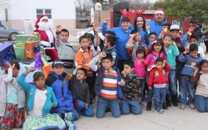 Arranca Jenny Figueroa festejos navideños en comunidades de Allende