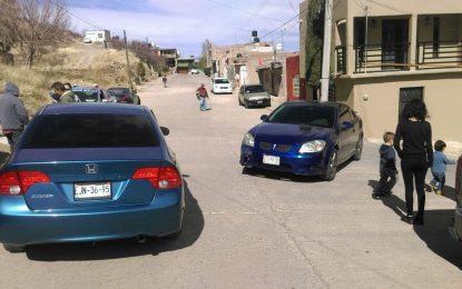 Choque en la ampliación Juárez deja daños materiales