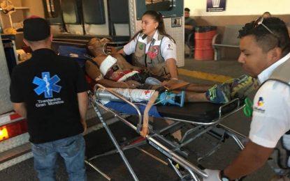 Paramedicos reaniman a joven tras intento de suicidio