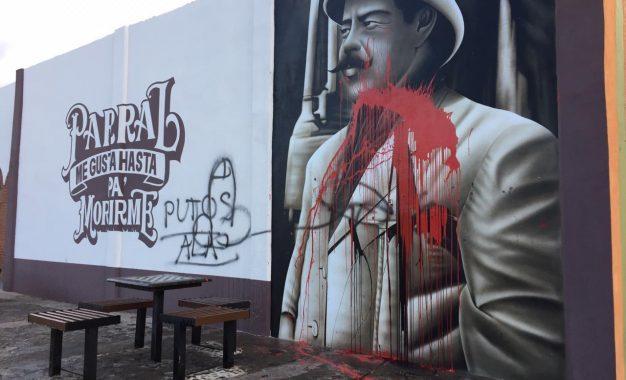 Continúan municipio ignorando al muralista Joel SantaCruz