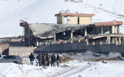 Talibanes mataron a más de 100 efectivos de seguridad en Afganistán