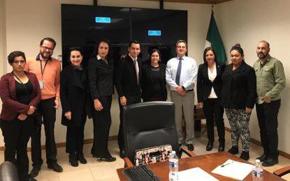 Representantes de la comunidad LGBT+ se reúnen con el Fiscal General
