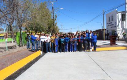 Inaugura Jenny Figueroa otra calle pavimentada en Allende