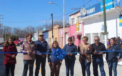 Con inversión de 1.5 MDP inaugura Jenny Figueroa pavimentación en Allende