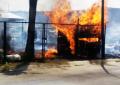 Incendio en puesto de alimentación en Lomas del Parque
