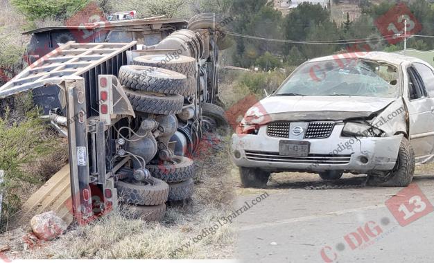 VIDEO: Vuelca camión y vehículo en acceso a Santa; 3 heridos