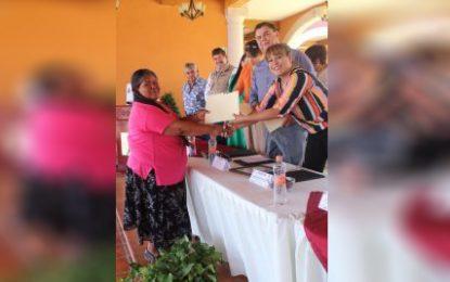 Firman convenio presidencia de Allende e ICHEA para combatir rezago educativo