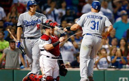Los Dodgers derrotan a los Medias Rojas en 12 innings