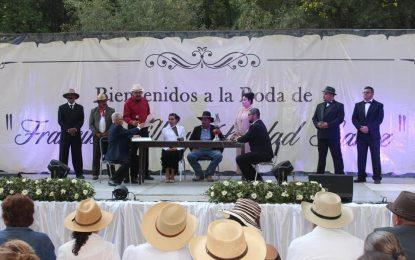 """Asisten más de 2 mil personas a escenificación de la """"Boda de Villa con Soledad"""" en Allende"""