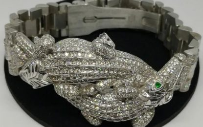 Subasta en Los Pinos; cocodrilos de diamantes, relojes y plumas de oro
