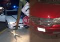 Impactan vehículos en la Juan Rangel de Biesma y Simón Bolívar; Destruyeron un poste