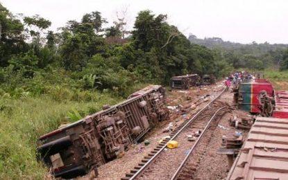 Descarrila tren en el Congo y mueren más de 50