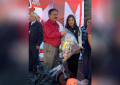 Aporta Betty Chávez juguetes, cobijas y dulces al radioteletón parralense