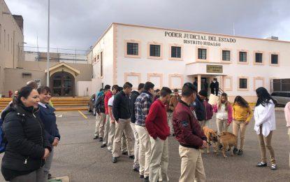 """Estudiantes de Valle de Allende acuden al CERESO para """"Valorar la Libertad"""""""