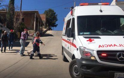 VIDEO: Adulto mayor derrapa en moto y se lesiona; Col. Loma Linda