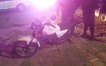 Motociclista lesionado tras choque en la Niños Héroes