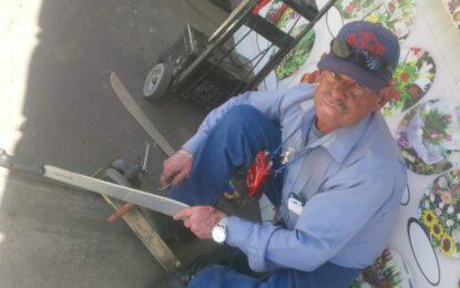 Dámaso Rivera Rodríguez, 46 años de afilador de cuchillos