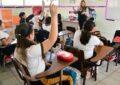 Diputados avalan prohibir comida chatarra y acceso gratuito a productos menstruales en escuelas