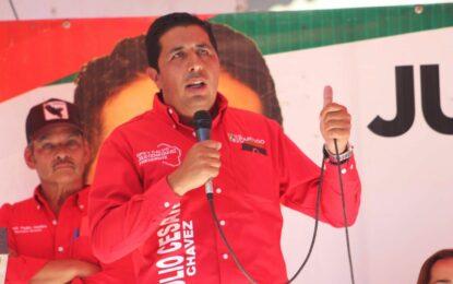 """""""Agua, electrificación, caminos y empleos serán mi prioridad"""": Chacho Chávez"""