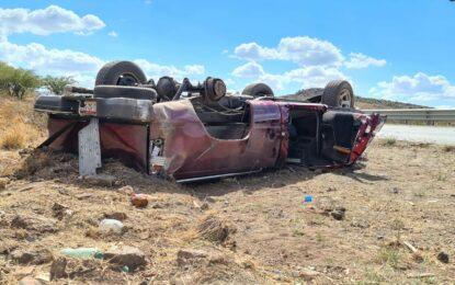 VIDEO: Volcadura de camioneta cerca de Fiscalía; un lesionado