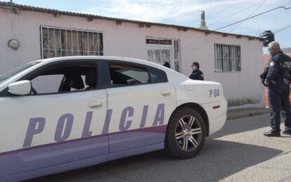 Policía Violeta atiende caso de hombre que violentó a su pareja y le robó su vehículo